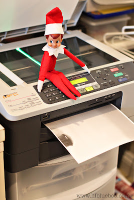 Elf on the Shelf makin copies