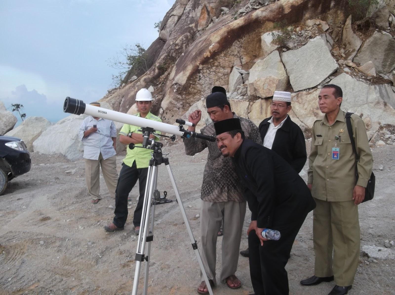 Galeri Foto: Observasi Hilal oleh Tim BHR Kabupaten Karimun di Pasir