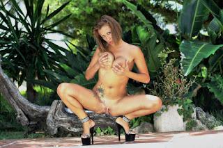 female cherry pie - sexygirl-Wo_996_004_-783104.jpg