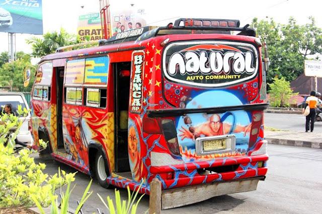 Angkot Padang Modis http://asalasah.blogspot.com/2013/04/foto-kerennya-angkot-angkot-di-kota.html