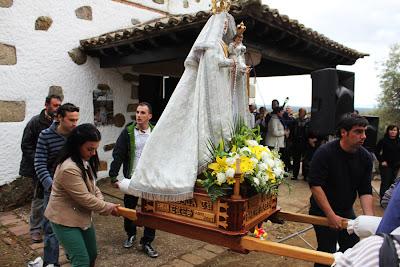 Entrada de la Virgen de la Fuente Santa en la Ermita. Parrillas. Toledo