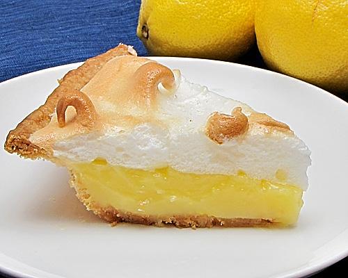 The great cake company lemon meringue pie for Lemon meringue pie with graham cracker crust