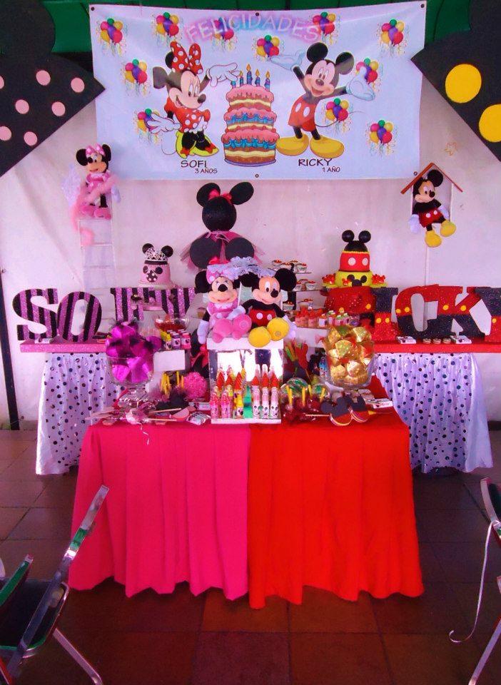 Minnie y Mickey Mouse en una fiesta doble!!!