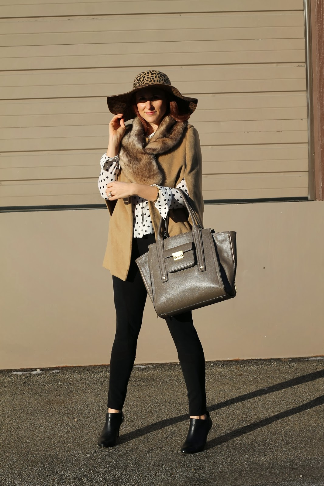 camel, cape, Floppy, hat, polka, dot, blouse