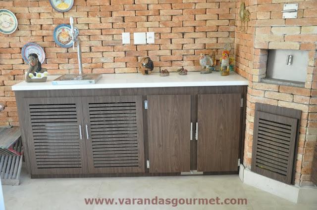 Balcão refrigerado 2 portas em fórmica padrão madeirado