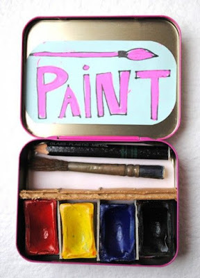 http://dollarstorecrafts.com/2011/11/make-altoid-tin-art-kits/?utm_source=feedburner&utm_medium=feed&utm_campaign=Feed:+dollarstorecrafts/VSZK+(Dollar+Store+Crafts)