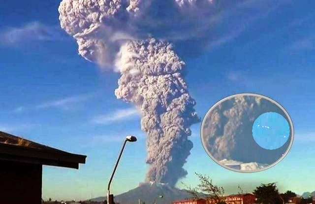 Huge Eruption at Calbuco Volcano, Chile, UFOs Caught Going Into Plume
