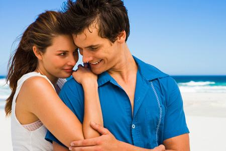 نصائح لحياة زوجية أكثر رومانسية - حب - اعجاب - man like love attracted to a woman