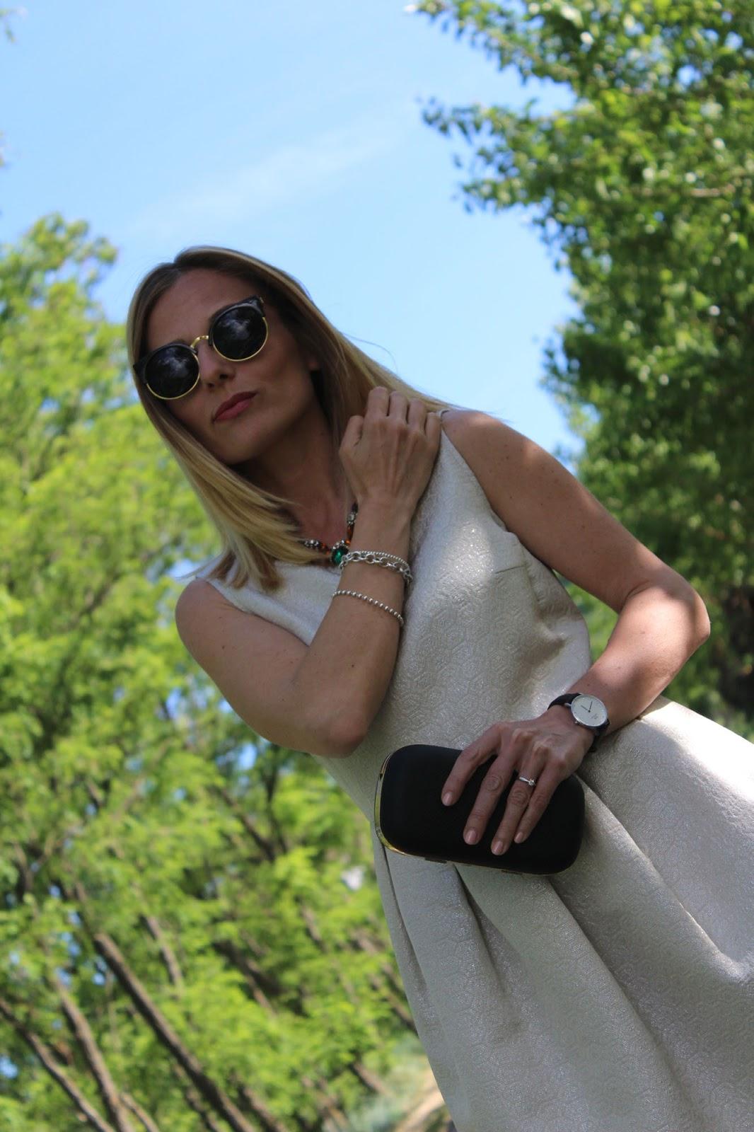 Eniwhere Fashion - Dress clutch and black heels