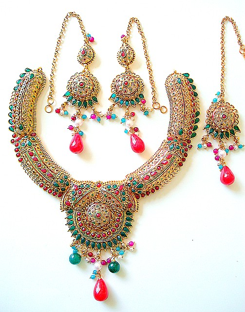 Gold earring designs for indian wedding style