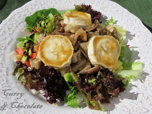 Warm mushroom and goat cheese salad