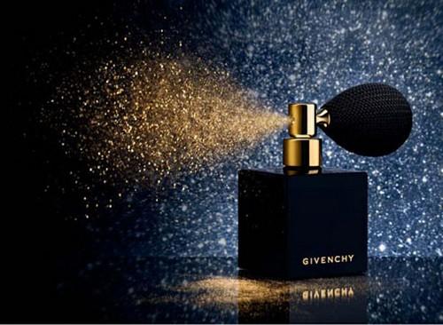 Pó dourado para o rosto e o corpo Givenchy