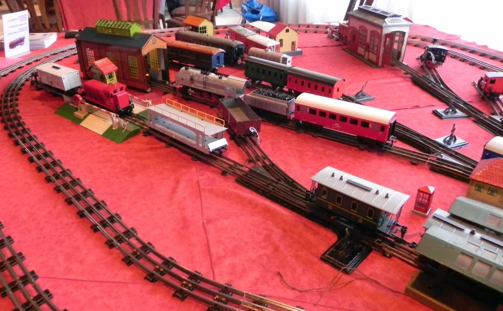 Merkur Toys Tatra 813 - YouTube