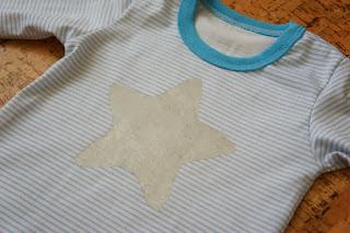 Боди для мальчика 74 размер со звездочкой из акриловой краски