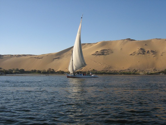 Felucca-Sailing-the-Nile-Egypt-2008-Sealiberty-Cruising