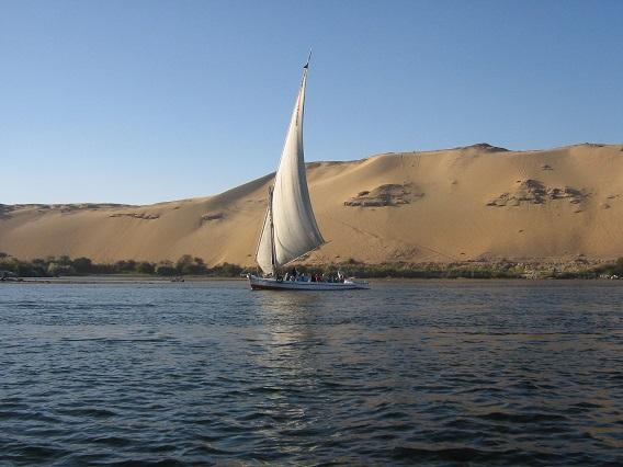 Felucca-Sailing-the-Nile-Egypt-2008-Sealiberty-Cruising