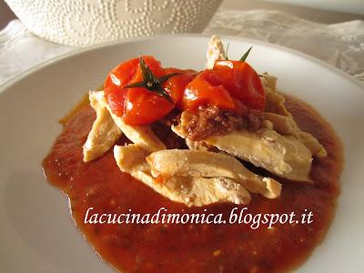 petto di pollo al vapore con pomodorini e basilico