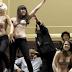"""""""Τόπλες"""" διαδήλωση μέσα στη Βουλή της Ισπανίας"""