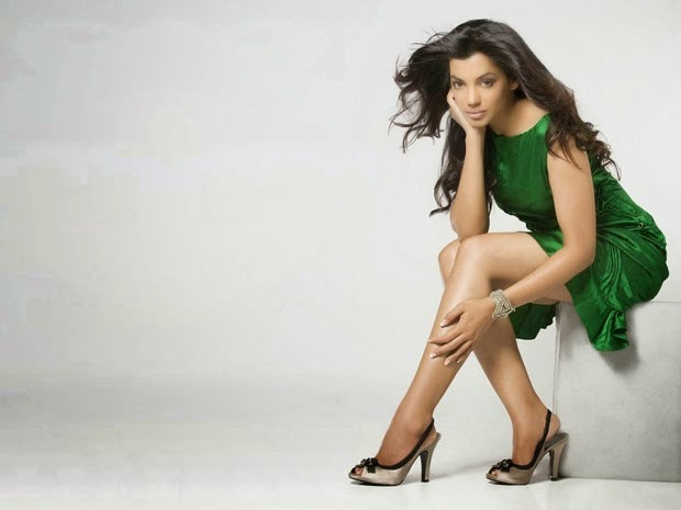 mugdha godse hot spicy legs