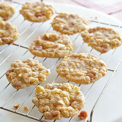 Daily Dose of Nutrition: Oatmeal Cookies with Caramel and Apple