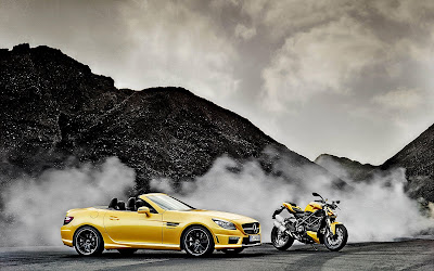 Mercedes Benz SLK Amg y Ducati Street Fighter