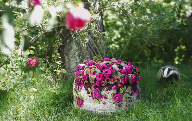 knitted roses pouf
