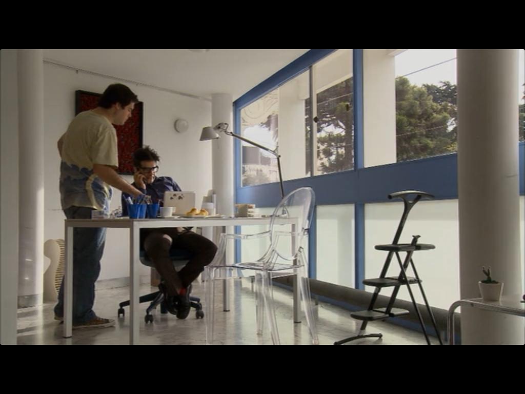 """Home Office da casa do filme """"O homem ao lado"""""""