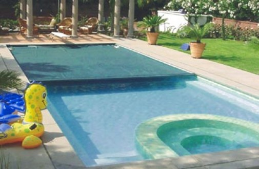 Swimming pools types of swimming pool covers for Types of swimming pool