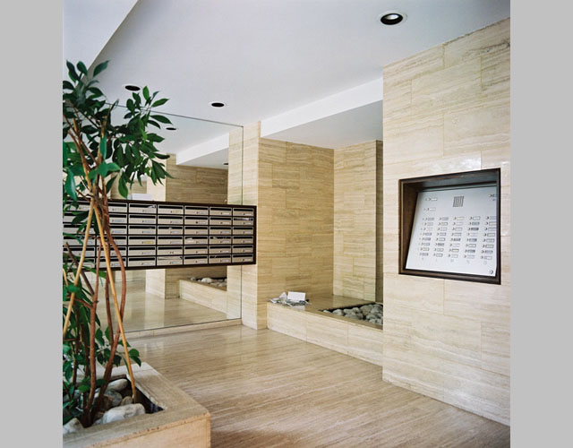 Grand entrance modern design by for Apartment hall design