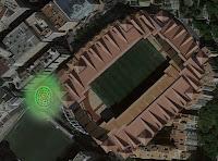 Una preciosa imagen cenital del estadio. Pero no se distingue nada.