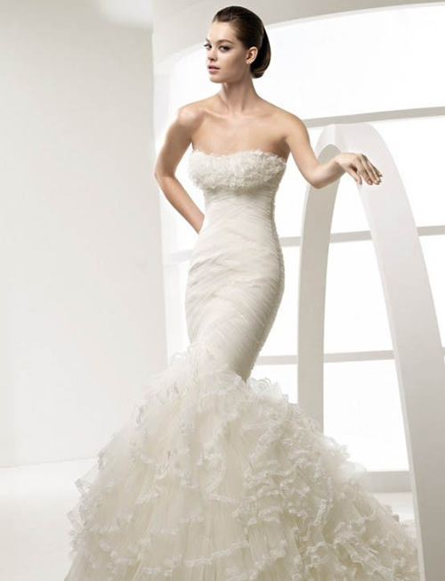 Jazzy affairs llc for Mermaid wedding dresses with feather bottom