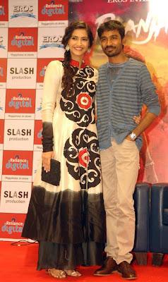 Sonam Kapoor & Dhanush at Reliance Digital for promotion 'Raanjhanaa'