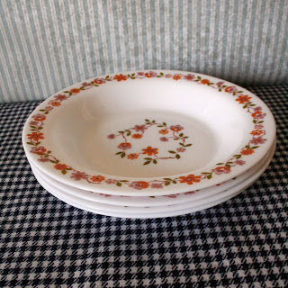 assiettes pour la soupe vintage, seventies, made in france