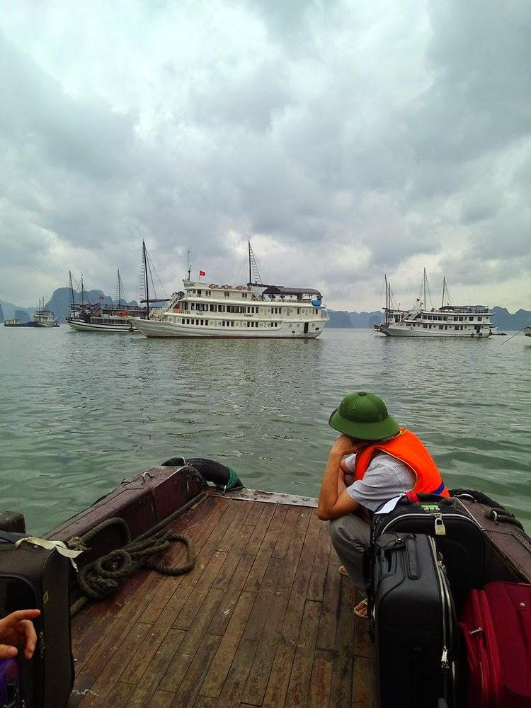 Halong Bay - V' Spirit Classic Cruise Menanti Kunjungan Kami!