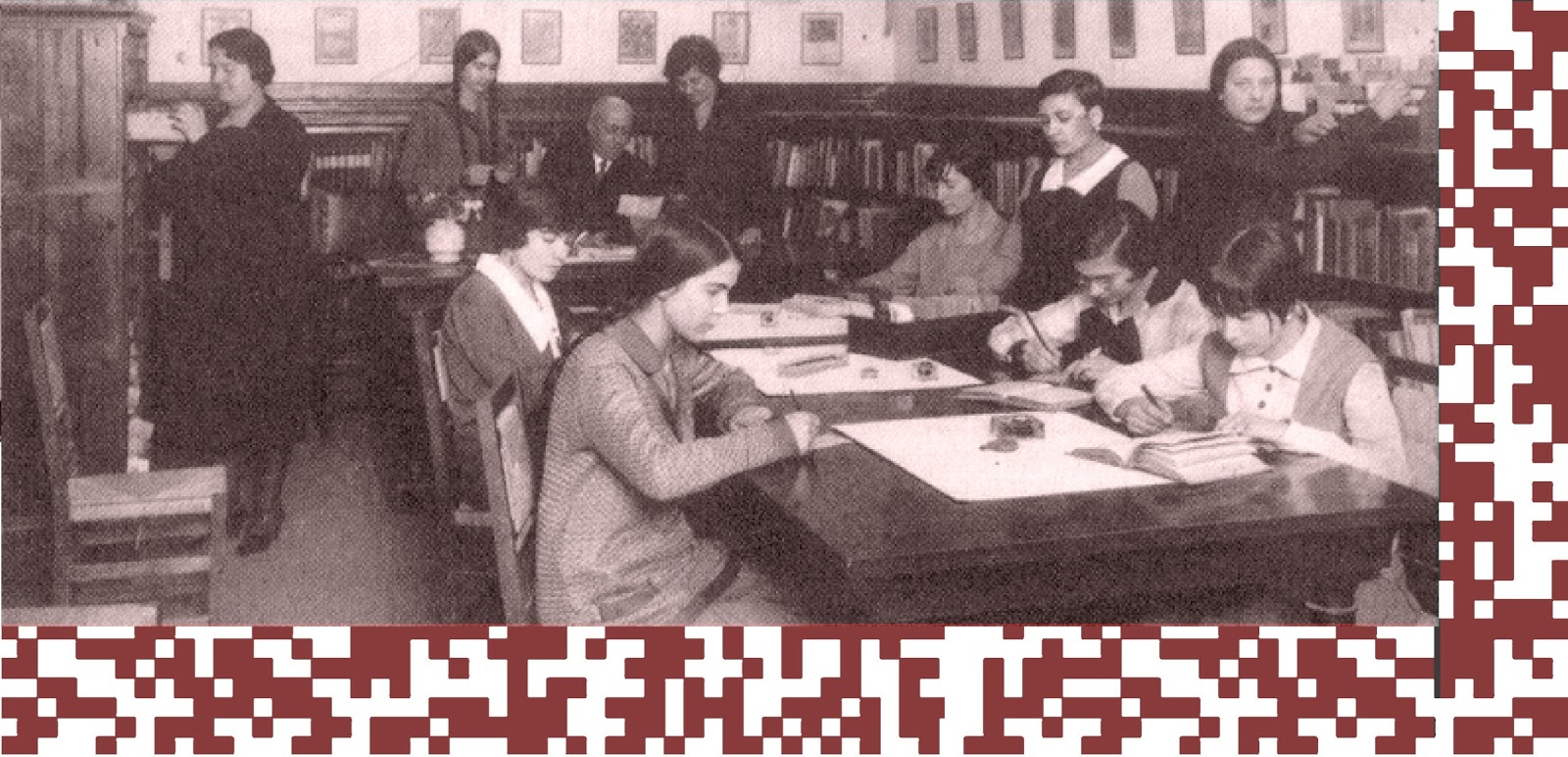 http://www.ub.edu/biblio/noticies/exposicio-cent-anys-d-estudis-i-de-professio-bibliotecaria.-1915-2015.html