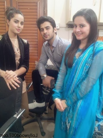 Aiman Khan And Minal Khan with men