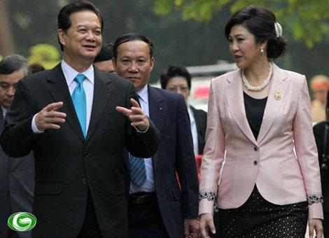 Thủ tướng Nguyễn Tấn Dũng và Thủ tướng Thái Lan Yingluck Shinawatra tại Hà Nội