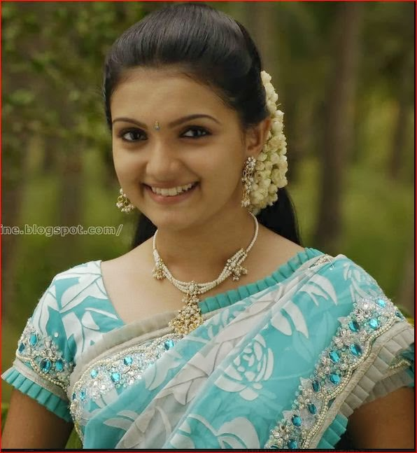 south Indian actress saranya in frilled work sleeve saree blouse