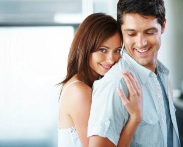 10 Sikap Wanita yang Membuat Pria Nyaman