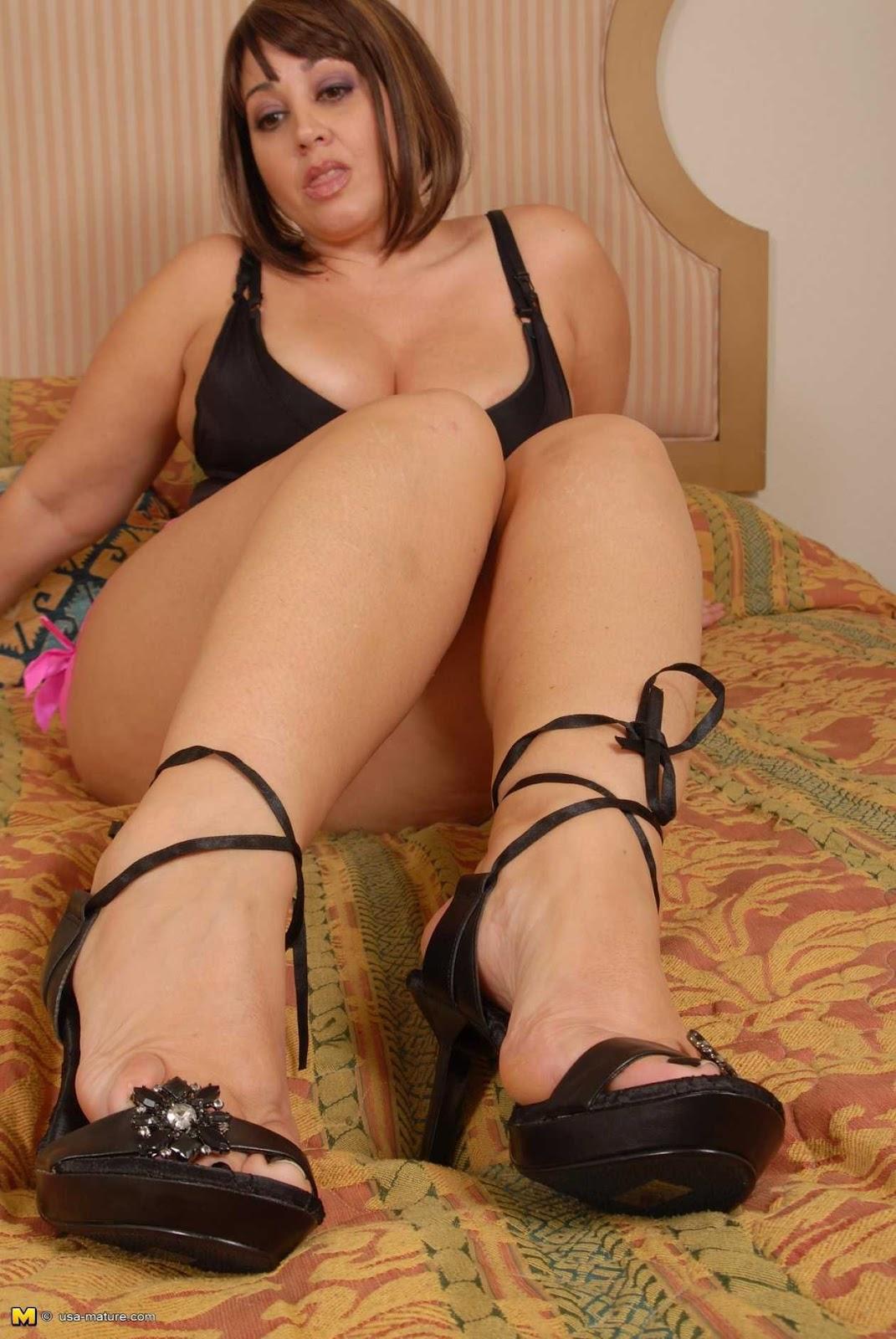 chubby girls feet