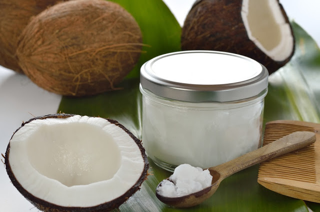 Experts claim that coconut oil is better than your branded toothpaste!