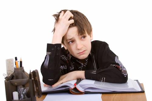 نصائح لتحسين مستوى ابنك الدراسي