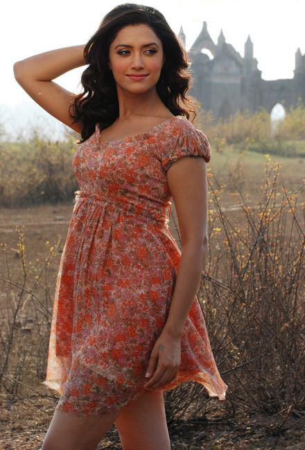 Marathi bhabhi exposing for lover - 1 part 5