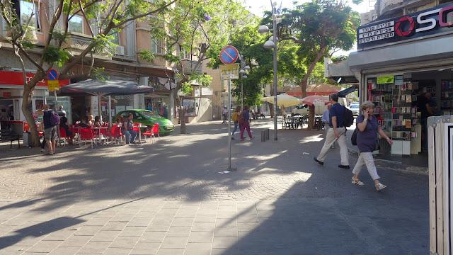 תל אביב - מדרחוב ליד רחוב אלנבי - יוני 2015