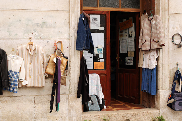 Rastro, vintage shopping in Spain - Photograph by Tim Irving