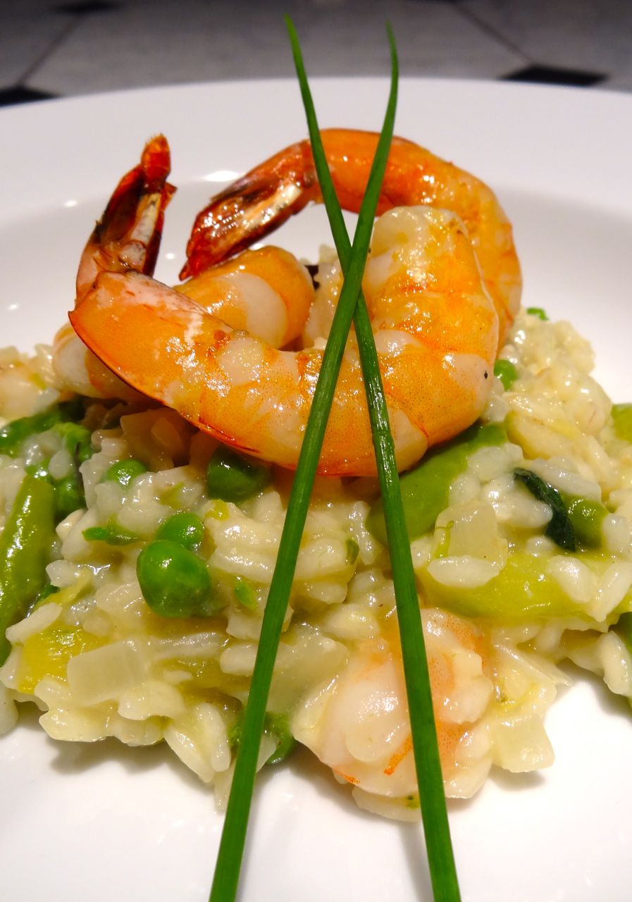 Scrumpdillyicious: Lemon Risotto with Shrimp, Asparagus & Peas