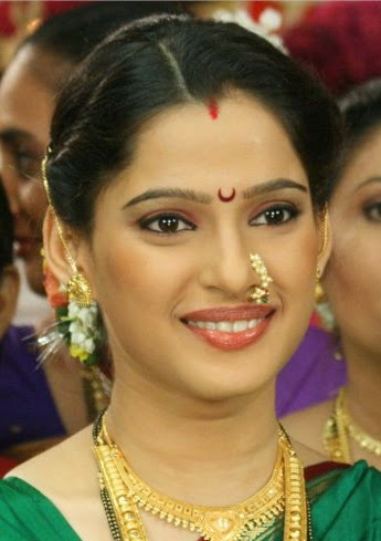 Priya Bapat Marathi Actress Biography ~ Celebrity Biography