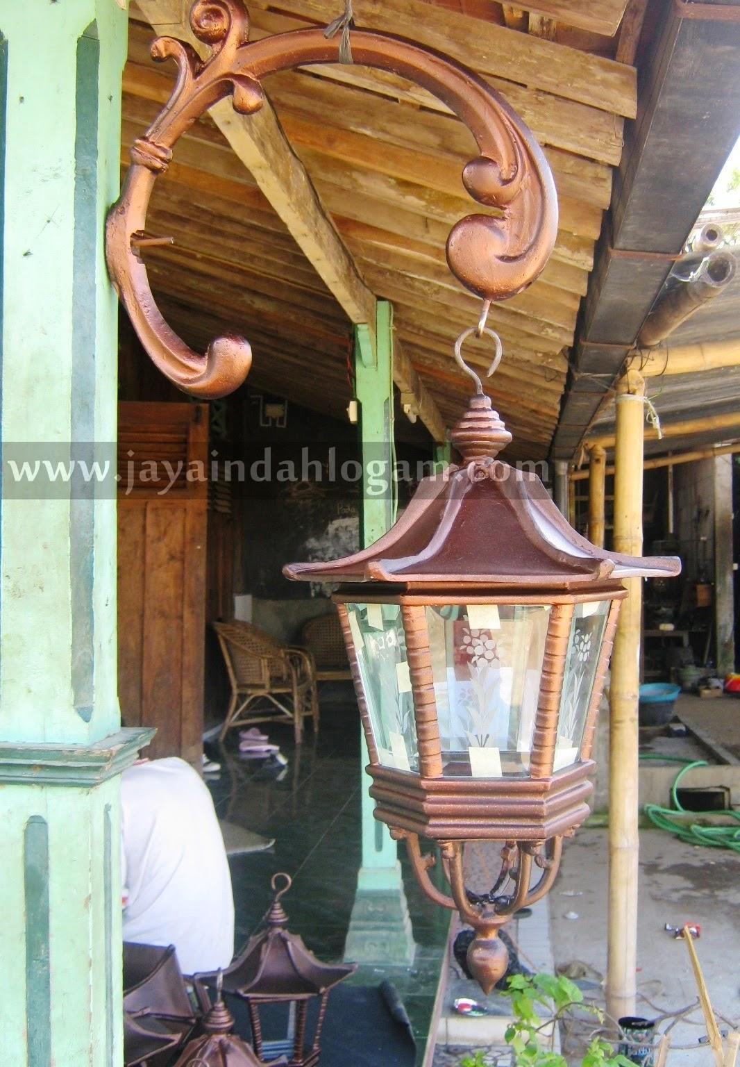 http://www.jayaindahlogam.com/2014/08/kerajinan-lampu-dinding.html
