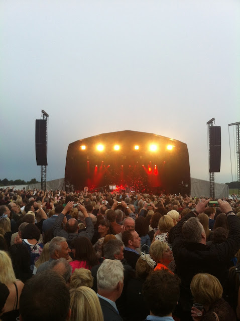 Sir Tom Jones at York Racecourse