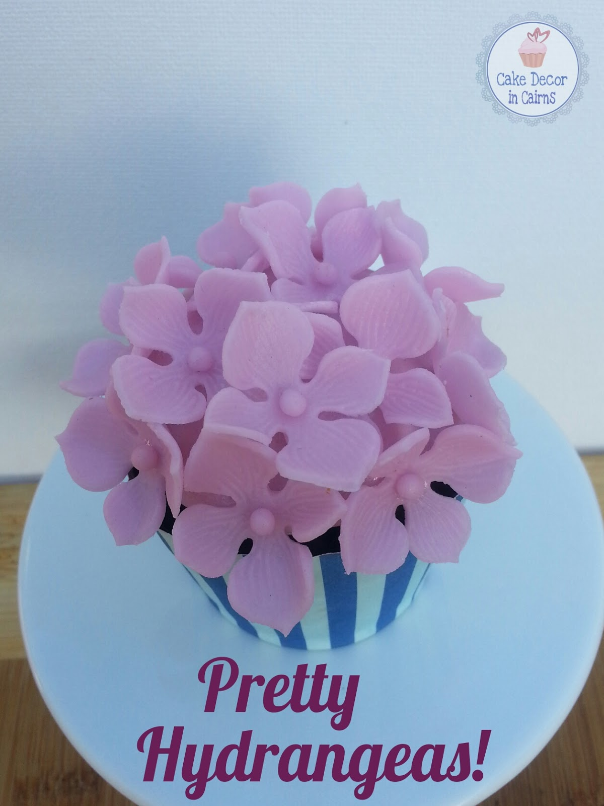 Using Hydrangea Cutters Pink Hydrangea Fondant Flowers Cupcake Topper